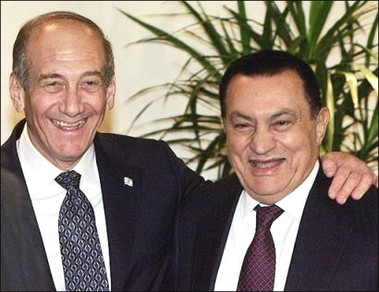 Egyptian President Hosni Mubarak and the Israeli PM Ehod Olmert - File 2007